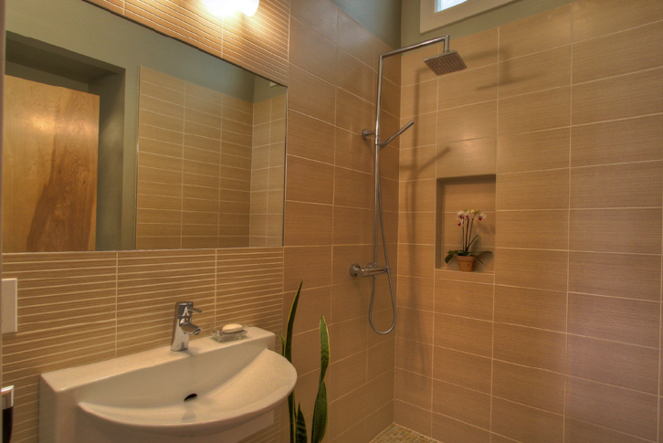 Orange Blossom Bathroom 2